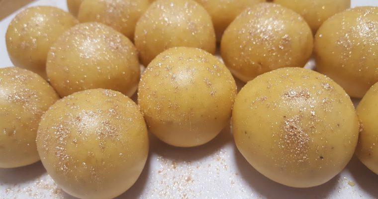 Mom's Delicious Besan Ladoo Recipe